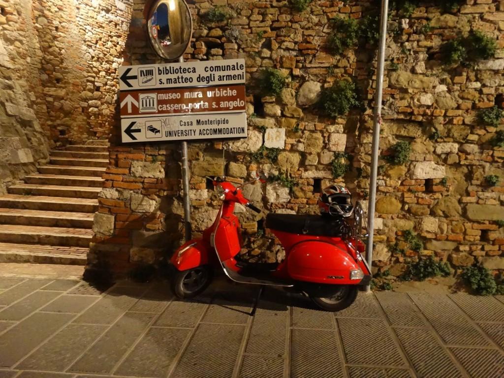 skuter w Perugii